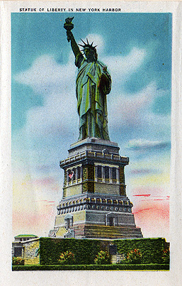 Old Postcard of the Statue of Liberty